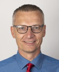 Dr. Ryan Zonnefeld