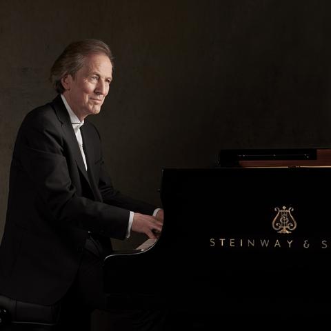 Andreas Klein at piano